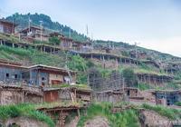 偏居一隅的甘南百年藏寨,至今仍沿用母系社會的獨特婚俗