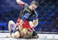 """她是中國最能打的美少女,自稱""""林妹妹""""卻成了世界格鬥冠軍"""