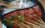 5人吃8毛的串串花了750元,一次擼幾串才是一口肉,得多拿才過癮