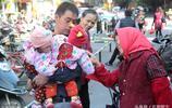 安徽夫妻已有2女再生4胞胎,好心人想領養,父母:一個也不能少