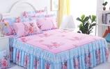 """冬天把床單撤了吧,用這""""睡不亂""""床裙,暖和好打理,家家都需要"""