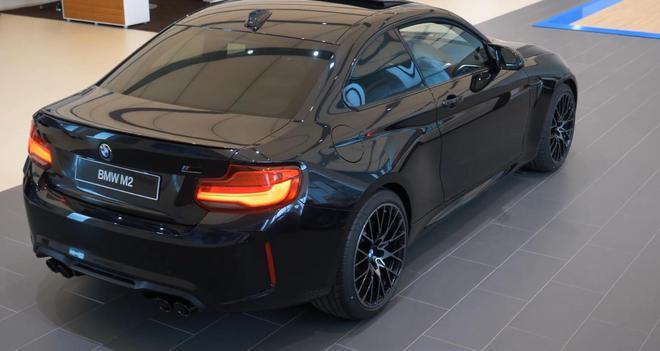 2019款歐版寶馬M2到店實拍,黑色才是顏值最高的顏色