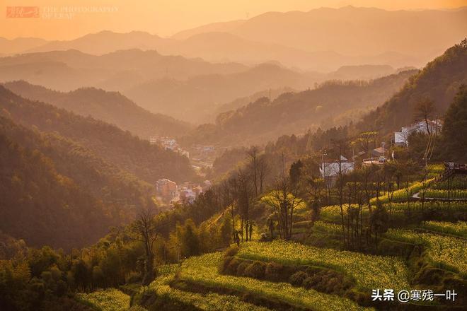 這是中國第一個彩色3D村,3D畫熱潮退去後,它成了現在的樣子