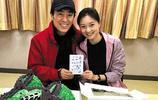 67歲張藝謀和36歲妻子陳婷近照