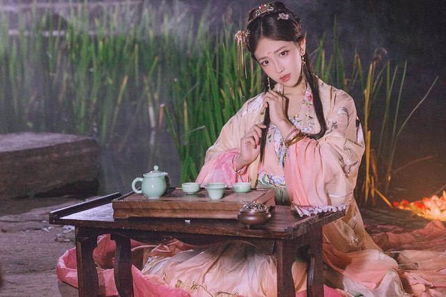 古風攝影:漢服 盈盈一水間,脈脈不得語