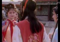 87版《紅樓夢》經典細節,這個動作出賣了賈寶玉的心!