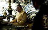 《凰權·弈天下》是根據小說《凰權》改編的古裝劇,由華策克頓集團辛迪加影,東申影業,好麥文化共同出品
