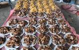 河南當地大戶辦32桌滿月席,每桌300元有這麼多硬菜,太划算了