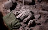 直擊兵馬俑發掘現場:圖6為剛出土的彩繪俑,圖9唯一禁止出國展覽