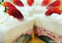 孩子們超愛的草莓凍芝士蛋糕在家輕鬆做出來