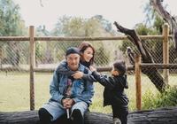范文芳李銘順全家澳洲遊玩 網友:現實版的父母愛情