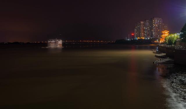 家住長江邊-夜色觀音閣