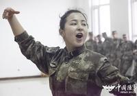 新疆軍區某團:學習民族舞蹈 豐富官兵生活