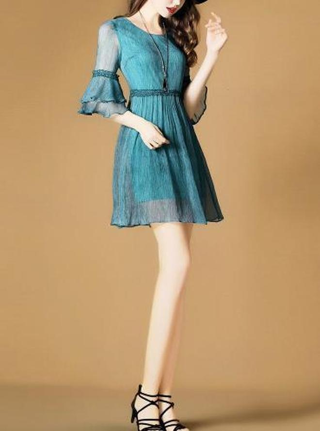 上個月800多剛買的真絲裙,今日只要一折,哎!悔得腸子都清了