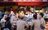重慶最高溫達逼近40度,實拍重慶火鍋一條街,人均價格60元,毛肚、鴨腸等等,總有你自己喜歡吃的
