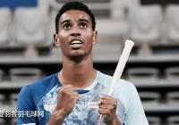 他只贏了一場羽球比賽,卻創造了整個國家的歷史