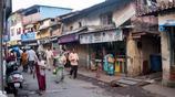 實拍印度孟買城中村:不斷有飛機從頭頂低空飛過,村口堆滿垃圾