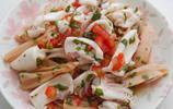 蓮藕烏賊:秋季的蓮藕口感鬆軟,9分熟的烏賊非常脆口