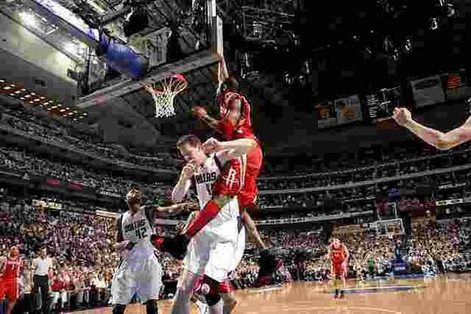 大竹竿布拉德利是NBA最瘦之人嗎?周琦留在火箭將獲最瘦稱號!