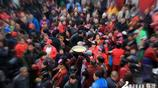視覺臨汾:霍州火星廟會千人爭吃餄餎面 場面壯觀