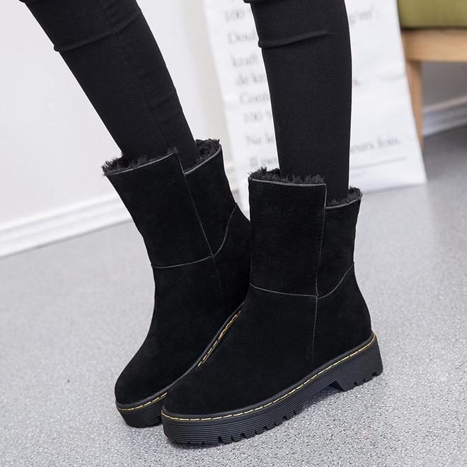 女人再窮酸,也得有雙馬丁靴,這幾款保暖顯腿長,人人買得起