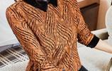 再見了毛衣!如今加絨小衫正流行,保暖襯膚白,不打扮都賊美