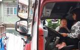 為什麼男司機開貨車跑長途,剛開始經常帶妻子後來卻不願意帶了