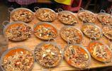 湖南農村同學的婚宴,我只包了300塊的紅包,吃的我有點不好意思
