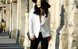女演員陶紅白色西服優雅氣質時尚街拍