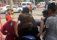 濱城城管巡邏時勇救受傷老人 獲群眾點贊