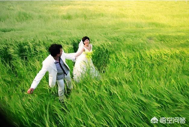 """有人說""""人到中年,撐起一個家的往往是妻子。""""你認同這句話嗎?為什麼?"""