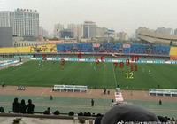 奇了個葩!中甲聯賽北京人和場上竟有12名球員