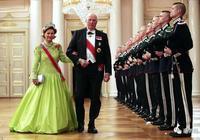 全世界最多王室的聚會,大家都戴了多少斤珠寶來炫富?·