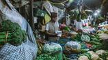 尼泊爾:女遊客實拍當地菜市場,菜販詢問中國還賣諾基亞嗎