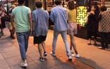 街頭偶遇鹿晗,顏值超高,大家卻被他身邊的美女給閃到了