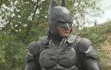 美國一男子模仿蝙蝠俠連座駕都配齊了,警察停下他只為合個影