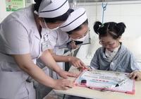 """她是全國年齡最小的心肺聯合移植手術患者,醫院為她開""""病房教室"""""""