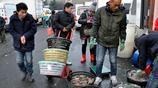 吃海鮮來青島 初冬早市梭子蟹20元一斤 海蠣子10元3斤 清蒸吃原味
