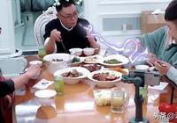 杜海濤要吃女友碗裡的菜,沈夢辰夾給他後,沈爸爸黑臉說四個字