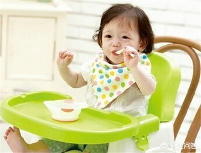 寶寶8個多月了,給寶寶繼續吃米粉還是做點營養粥吃呢?