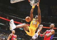 30000+8000+8000誰能做到?NBA只有一人!