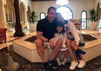 馬雅舒全家去迪拜度假,丈夫羅伯特分享旅遊照,大女兒側顏好漂亮