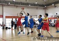 """柳州市小學生籃球賽開打 各路灌籃小高手大""""PK"""""""