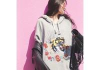 歐陽娜娜又晒時尚造型,這樣的歐陽娜娜你們喜歡嗎?
