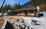 山村村民歷時8年建起豪宅,城裡3套房不換,一般人住不起