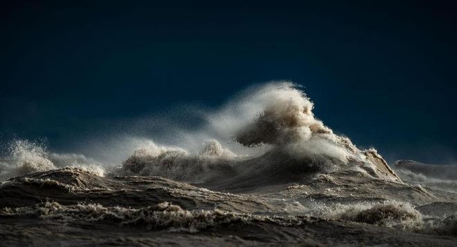 捕捉海浪的平靜與澎湃
