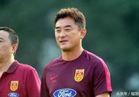 某隊球迷認為中超裁判傅明和恆大助教傅博是親兄弟,遭人恥笑!