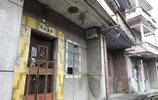 東莞無人村裡,各式各樣的大門緊閉,人都哪裡去了?