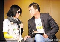 47歲李亞鵬疑似有新戀情?深夜苦等一小時後,帶美女回家