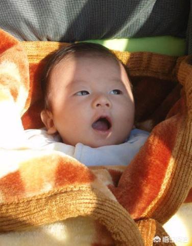 外面20度,可以帶出生兩個月的寶寶出門嗎?